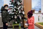 2020_12_18-Dca-Ako-si-deti-ozdobili-svoj-stromcek-008