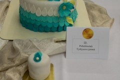 2016_10_06 Príležitostná torta - Tyrkysovo jemná 001
